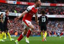 Mustafi firma il 2-2 tra Arsenal e Man City in Premier League